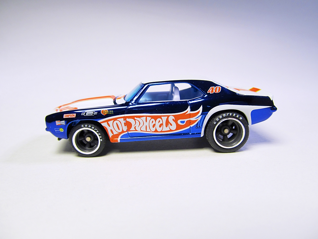 minicar pics 1 64 hot wheels rlc real riders 39 69 camaro. Black Bedroom Furniture Sets. Home Design Ideas