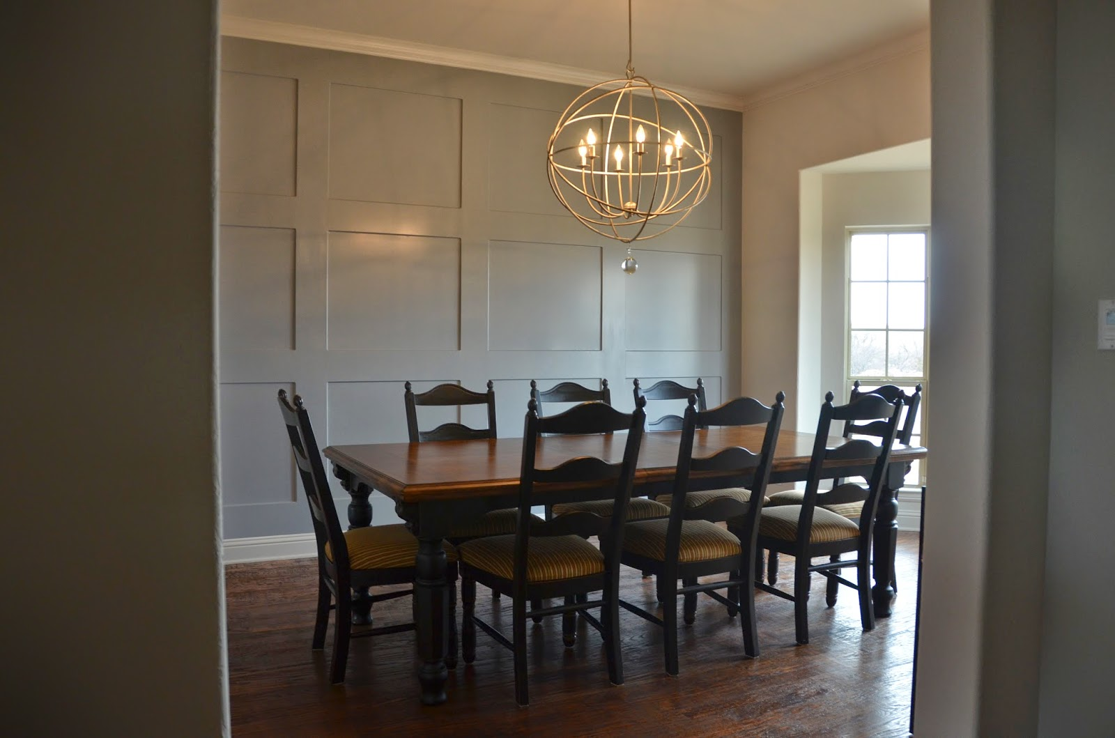 The Good Life: Dining Table Chalk Paint Makeover