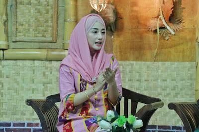 Jadi Bintang Tamu di Live Talkshow, Novita Hardini Bicara Tentang Peran Perempuan dalam Keluarga di Era Sekarang