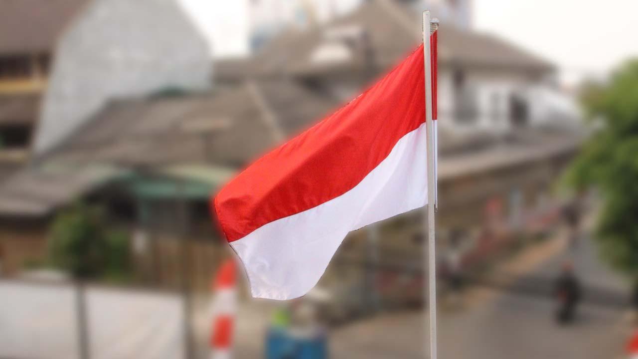 Respon Cepat Santri Setelah Pemkab Rembang Tak Pasang Bendera Di Alun-Alun