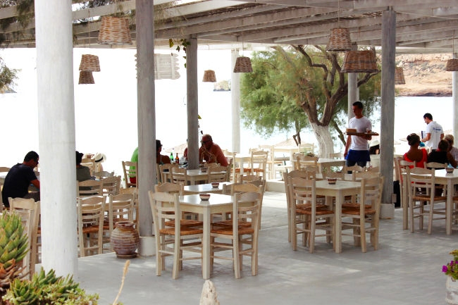 where to eat fresh fish in Ios island
