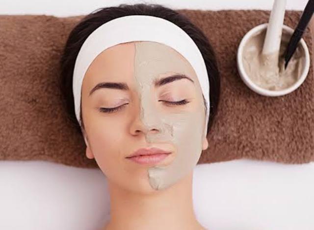 4 Masker Alami Sebelum Tidur Agar Wajah Putih Glowing