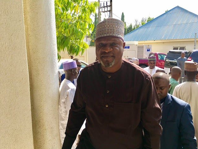 Taraba APC Guber Candidate Receives Over 5,000 Decampees, Pledges Support For Buhari