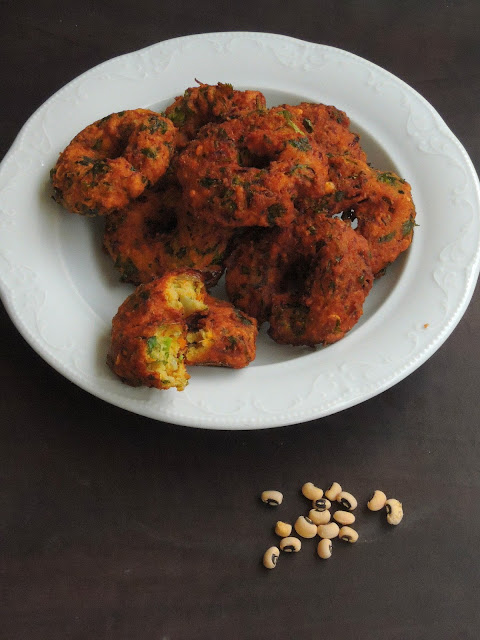 Carrot & Spinach Black Eyed Peas Vadai
