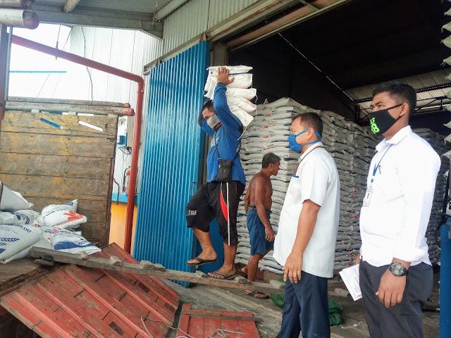 15 Ribu KK di Kapuas Hulu Dapat Bantuan Beras 300 Ton