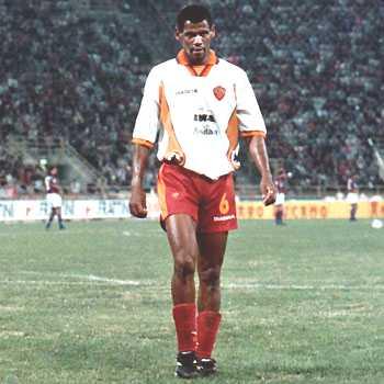 finest selection 1fd43 532bd Spesso si sente che un tale calciatore ha cambiato di ruolo nel corso della  carriera, grazie a un allenatore che, magari nel corso delle giovanili, ...
