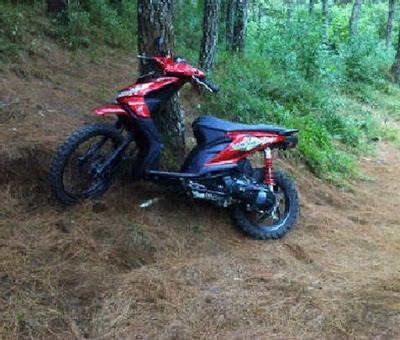 Modifikasi Honda Beat Fi Trail Warna Merah