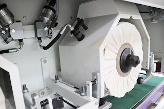 spay gun for liquid compound in the polishing wheels
