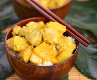 Chicken curry with pineapple