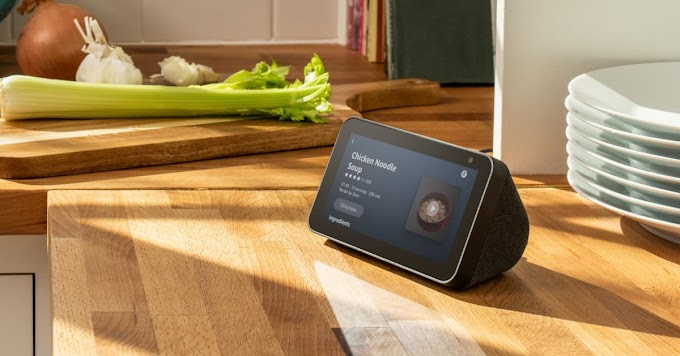 Echo Show 5, the speaker with Alexa and the 5-inch screen is your best ally in the kitchen and now costs less than 4,283.27 Indian Rupee