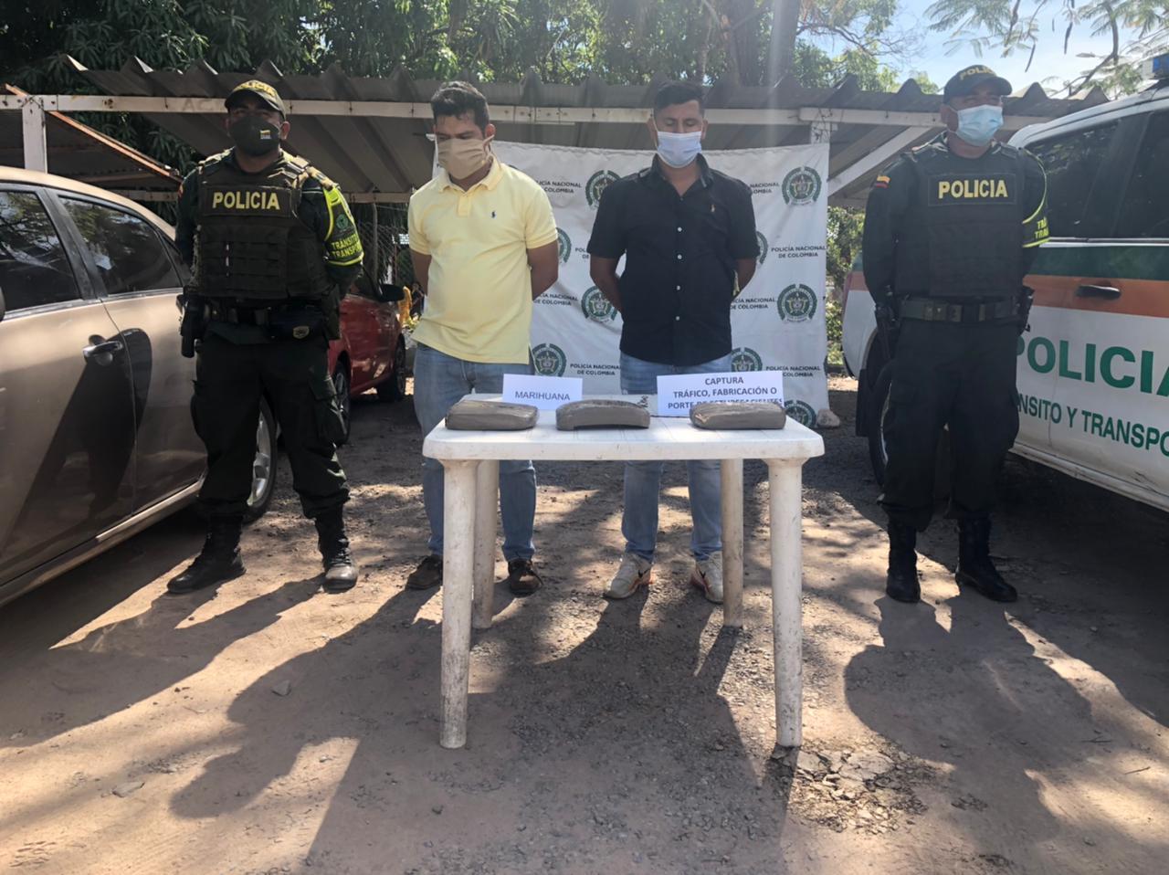 https://www.notasrosas.com/Policía Cesar los captura con más de mil quinientas dosis de marihuana