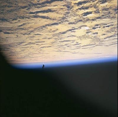 La foto STS088-724-66 dal sito della NASA