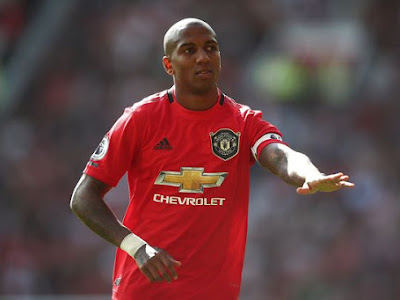 Ashley Young 'unhappy' with Man Utd chiefs after Inter Milan transfer is blocked