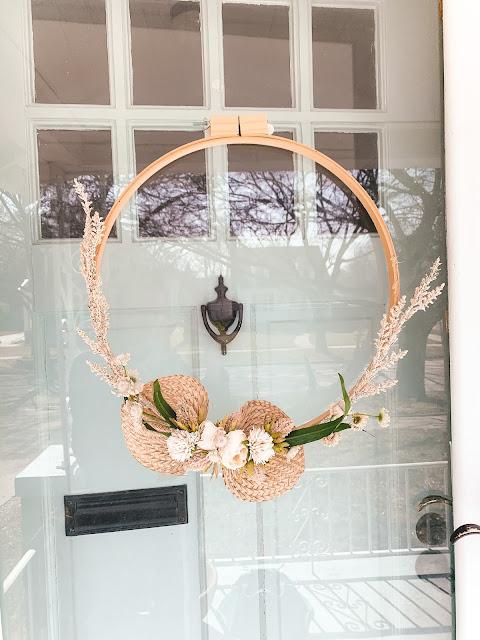 DIY boho spring hoop wreath