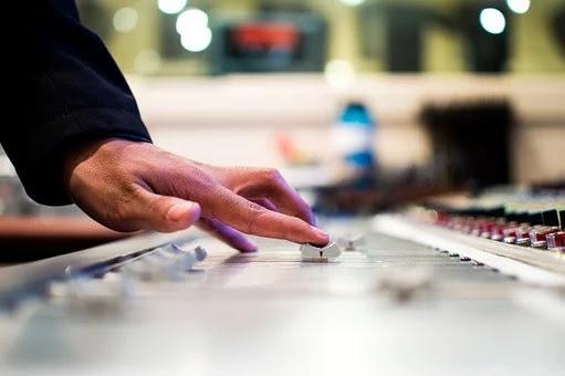 أفضل 10 مواقع تحميل مؤثرات صوتية مجانا بدون حقوق ملكية