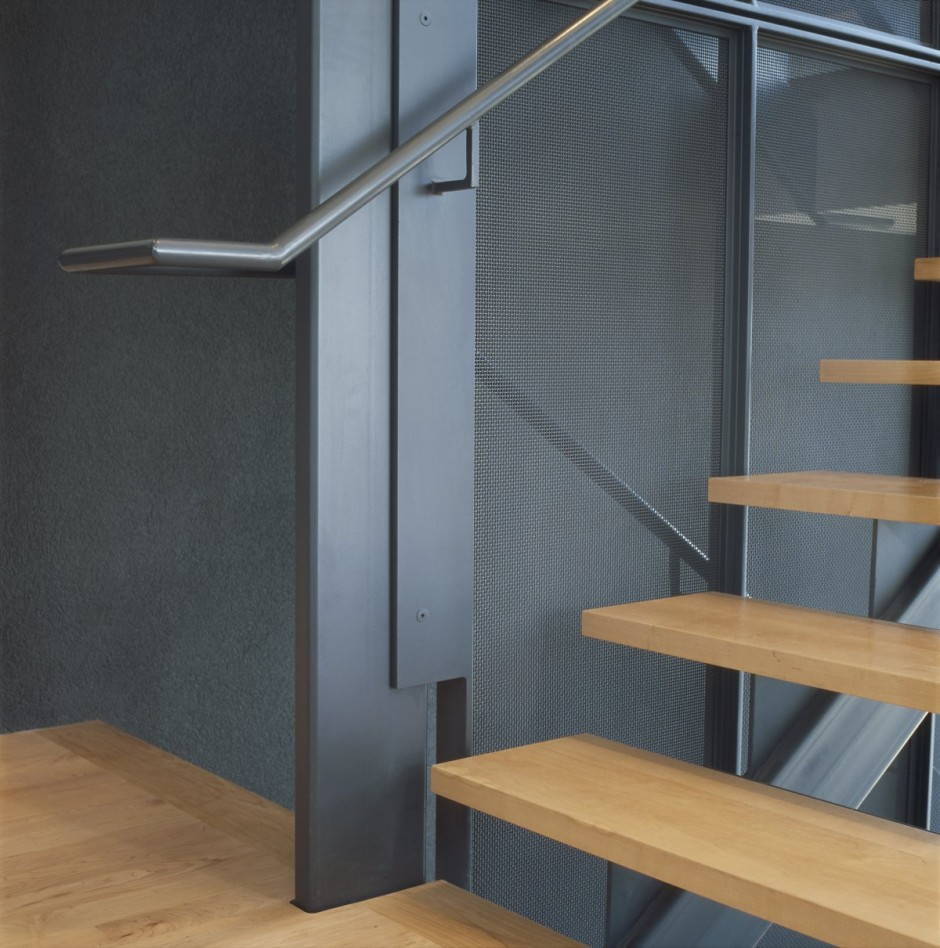 mẫu cầu thang sắt 11