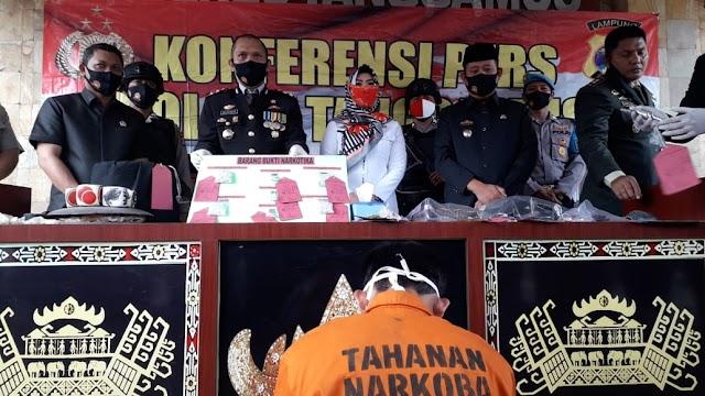 Polres Tanggamus Bekuk Seorang Bandar Narkoba Miliki 400 Butir Extacy Senilai 120 Juta dan Senpi Rakitan