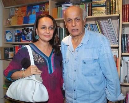 mahesh bhatt with his wife