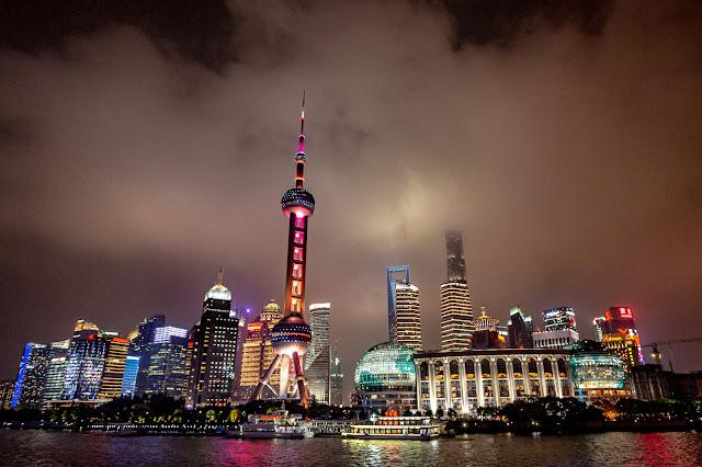 30. Shanghai - Skyline