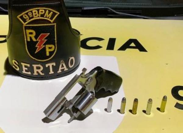 Em Delmiro Gouveia, após ameaça  de agressão, homem é preso por posse  ilegal de arma de fogo e lei Maria da Penha