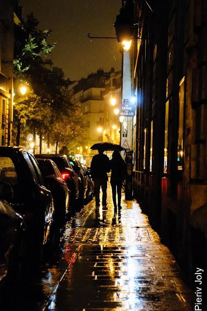 Hình ảnh mưa rơi buồn