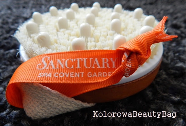 masaz-ujedrniajacy-szczotka-Sanctuary