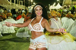 "Paola Serpa Severo, rainha da escola de samba ""Imperatriz Dona Leopoldina"" do Porto Alegre, Brasil."