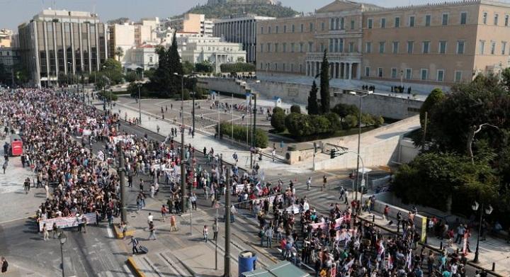 Τι προβλέπει το νομοσχέδιο της Κυβέρνησης για τις «δημόσιες υπαίθριες συναθροίσεις»