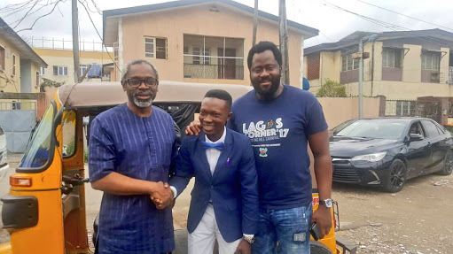Gbajabiamila Meets Man Whose Keke Has A Fan, Refreshments
