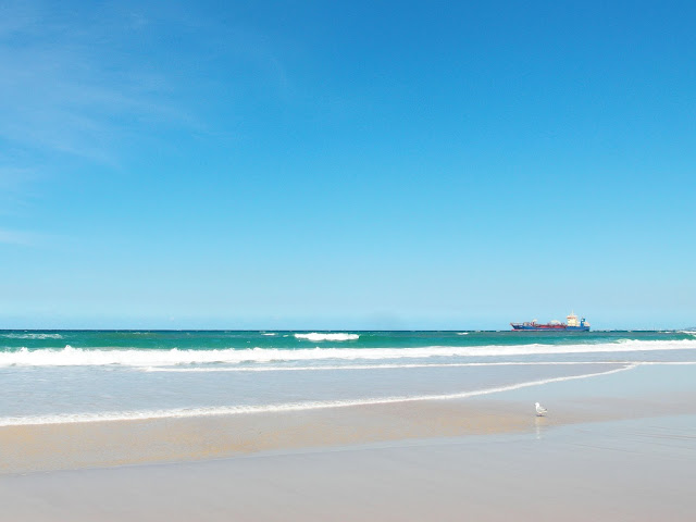 印象黃金海岸,漫步在Surfers Paradise衝浪者天堂的金黃色沙灘上