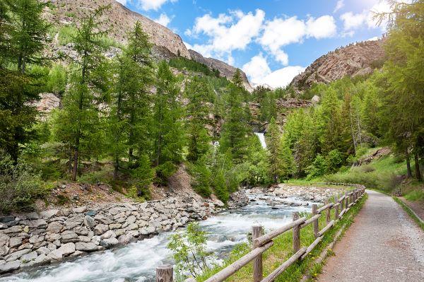 Da Lillaz al lago di Loie - Itinerario 2 giorni in Valle d'Aosta - Tour tra laghi,montagne e cascate.