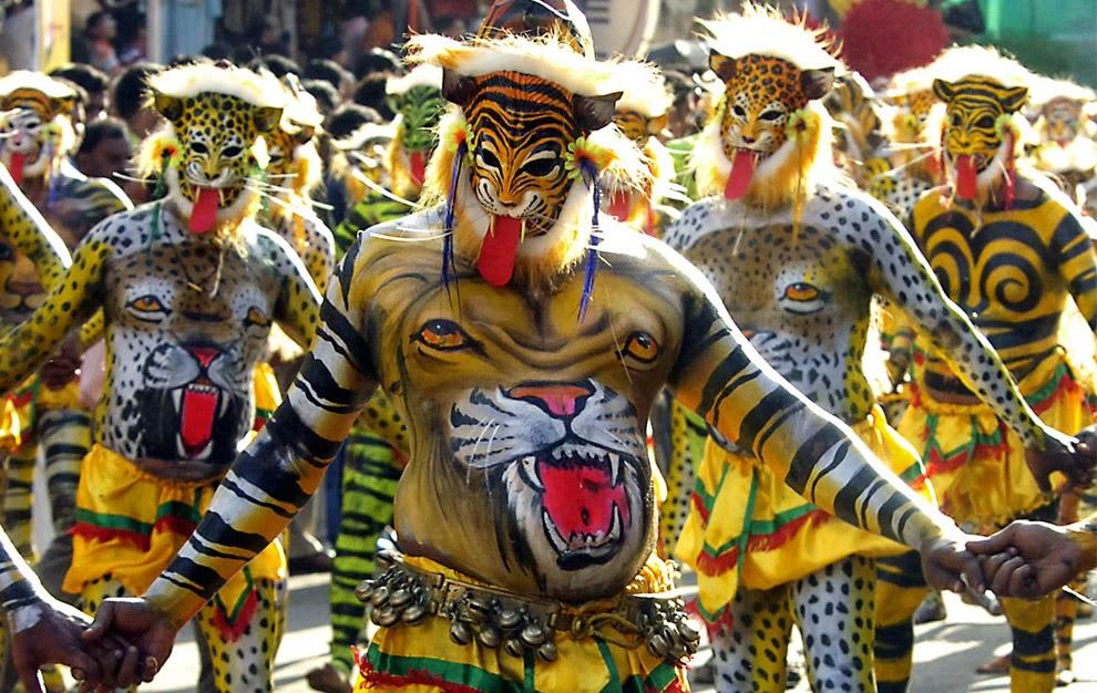 TOP TOURIST DESTINATIONS AND ATTRACTIONS IN INDIA: What is Puli Kali, Pulikali, Folk art Pulikali Tiger dance Kerala, Tiger Dance,Pulikali Trichur Kerala, Puli Kali