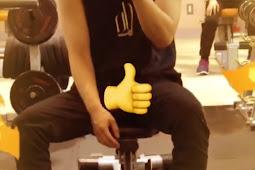 190812 Yunhyeong IG story Update : caption : Hueaiyaaaa (Doing Exercise) 🤭