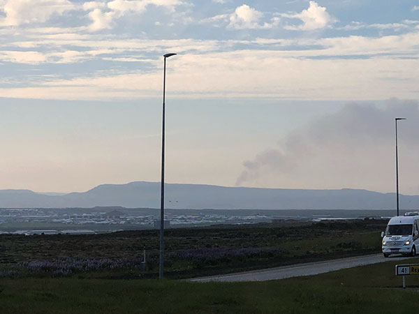 Distant volcanic plume in cell phone photo from airport to Reykjavik (Source: Palmia Observatory)