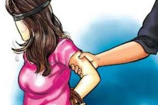 Take a 12-year-old baby girl by blaming mother, sold in Delhi