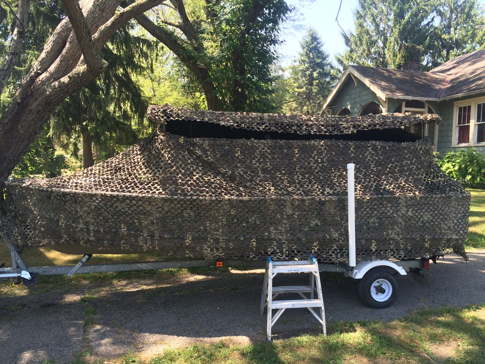 330 Waterfowl Banded Axe Boat Blind Review