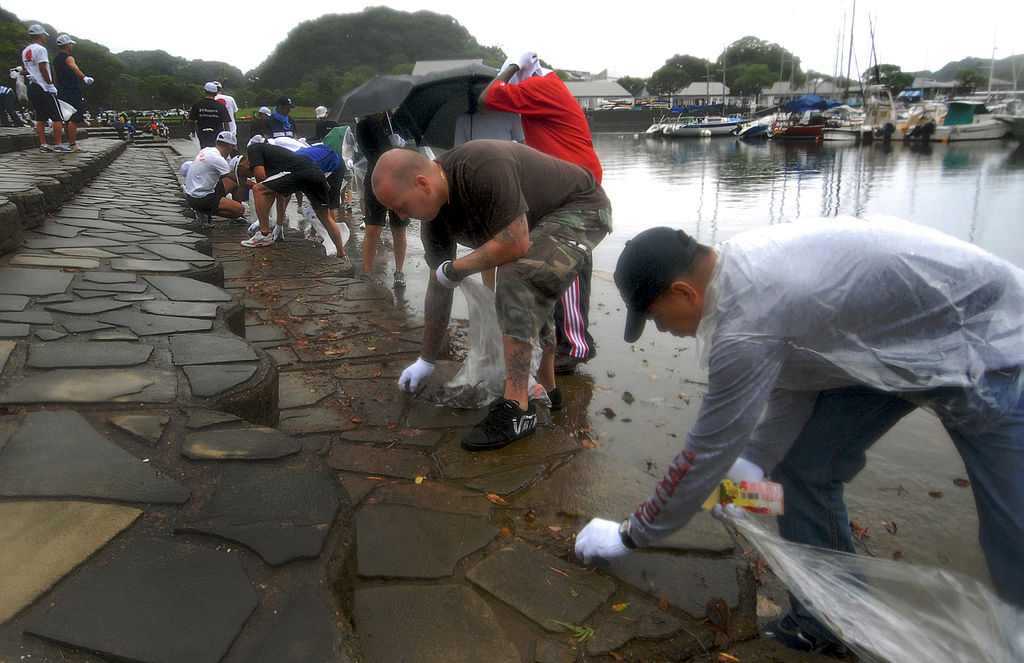 http://commons.wikimedia.org/wiki/File%3AUS_Navy_090720-N-0807W-050_Sailors_from_Fleet_Activities_Sasebo_pick_up_trash_and_debris_during_a_community_service_beautification_project.jpg