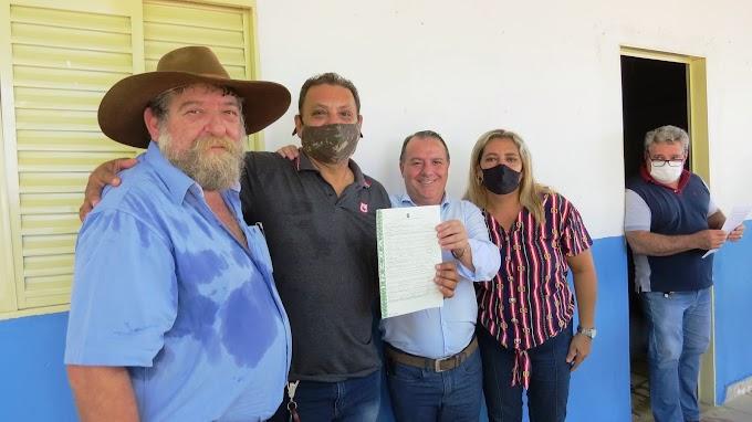Assentados do P.A Forquilha do Rio Manso recebem  mais de 70 Títulos Definitivos do INCRA