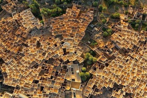 Unik! Kota Di Tengah Padang Pasir Ini Berbentuk Seperti Sarang Lebah