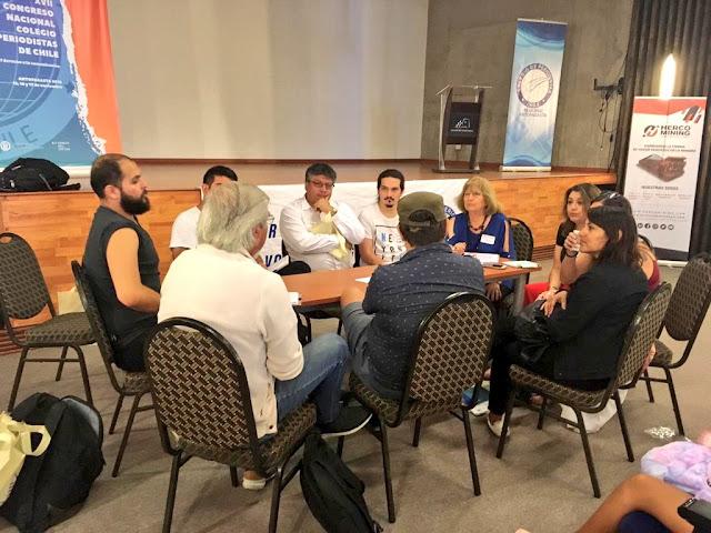 Unánime: Periodistas acuerdan instaurar derecho a la comunicación en Nueva Constitución