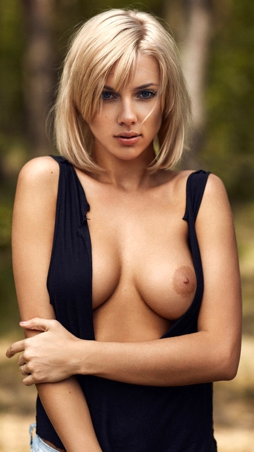 Sexy nude nipple Scarlett Johansson one side boobs naked tits without bra Naked without Clothes Film Actress XXX