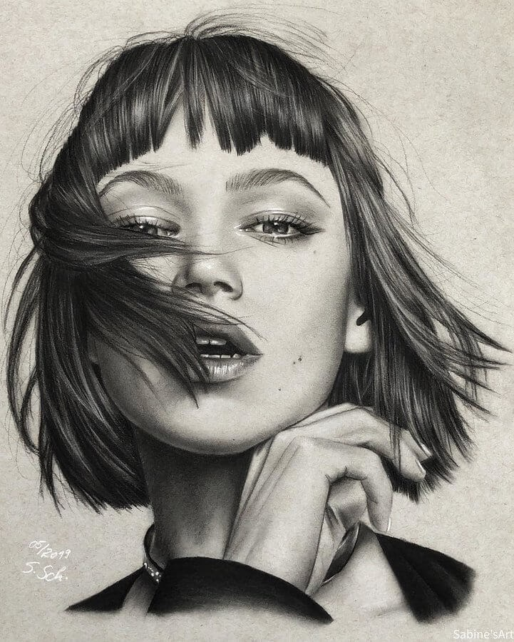 06-Ursololita-Sabine-S-Charcoal-Portraits-Realistic-Drawings-www-designstack-co