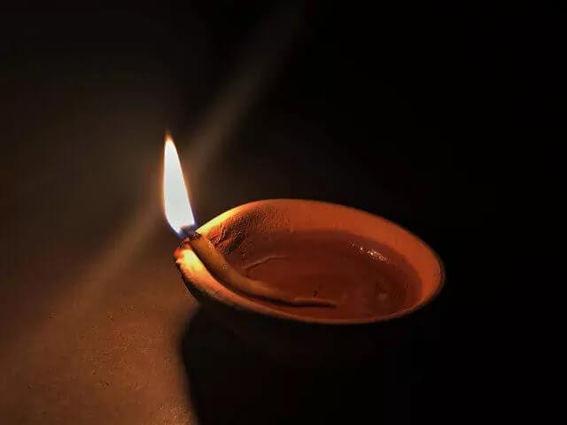 Happy-Diwali-2020-Hindi-Wishes-for-WhatsApp