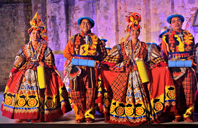 Guling-Guling Festival performers