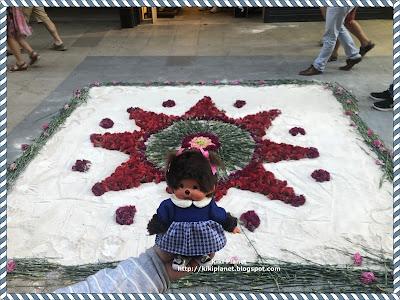 kiki monchhichi doll poupée spain catalan espagne rosas saint jean street art
