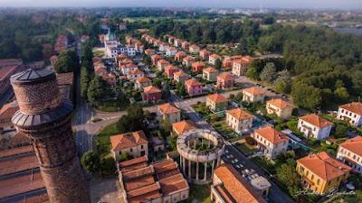 Villaggio oepraio di Crespi D'Adda - Luoghi da vedere a Bergamo - Gite e vacanze in Lombardia
