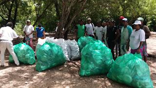 LA DESCUBIERTA: Instituciones se suman a jornada por la   limpieza y retiran una tonelada de desechos de ríos y balnearios.