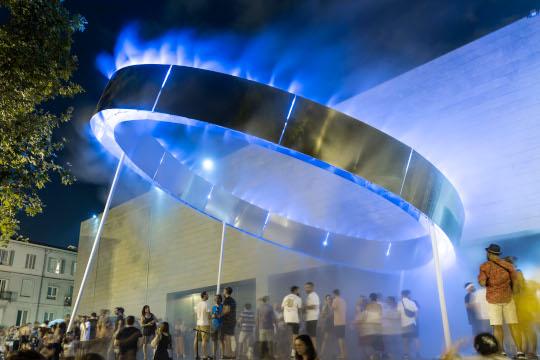 'Los escalones del IVAM' vuelven a animar la noche del viernes con música electrónica