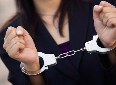Συνελήφθησαν δύο ημεδαπές για κλοπή τροφίμων από σούπερ μάρκετ
