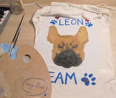 bluzka z buldożkiem francuskim rękodzieło ręcznie malowana